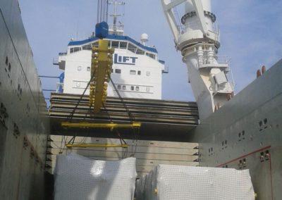 Sistemazione su nave  imballaggio in legno su misura